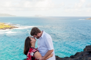 couple overlooking makapuu