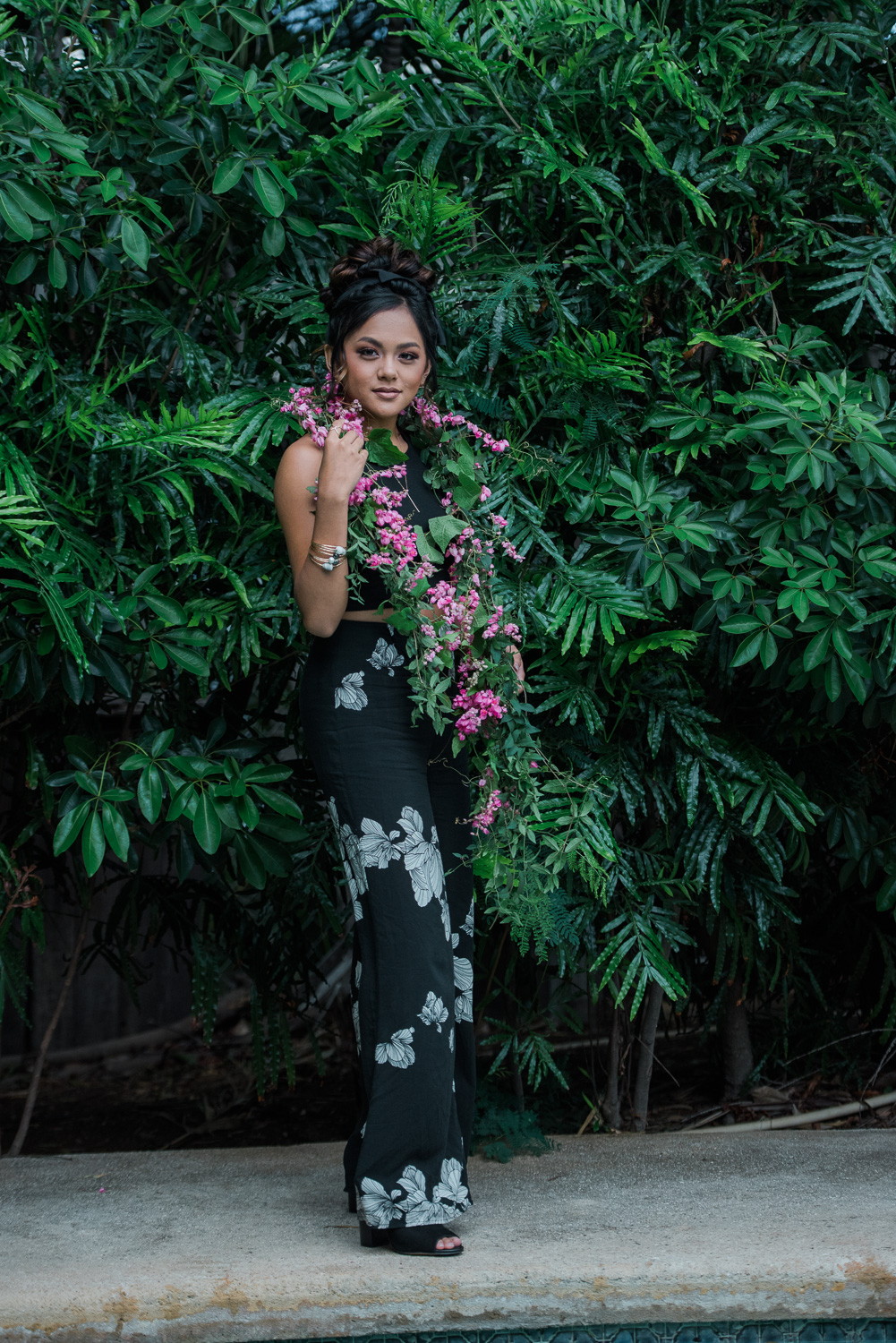 Miss Leeward Oahu Styled Shoot with greenery