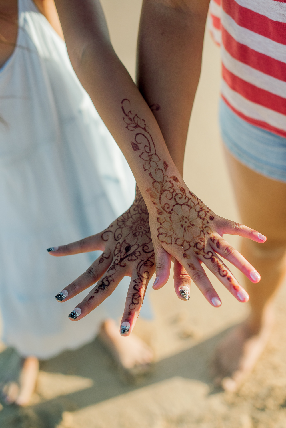 Henna highlights on hands